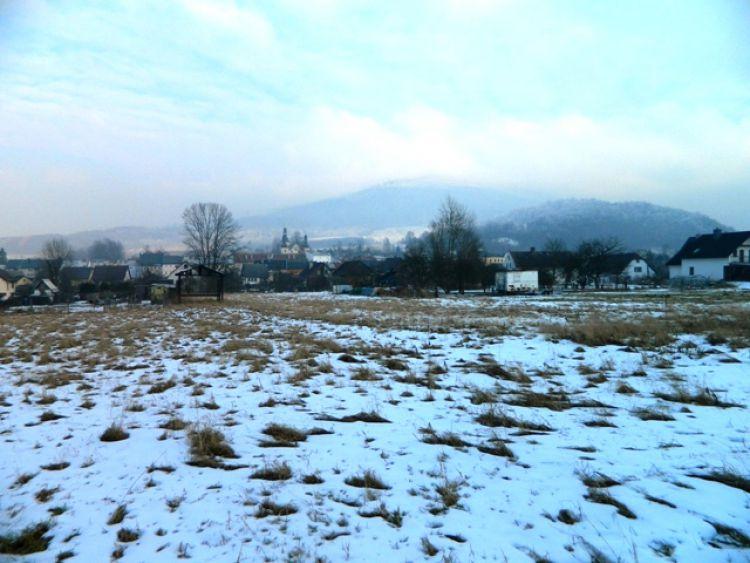 Prodej tří rovinatých pozemků ve městě Zlaté Hory