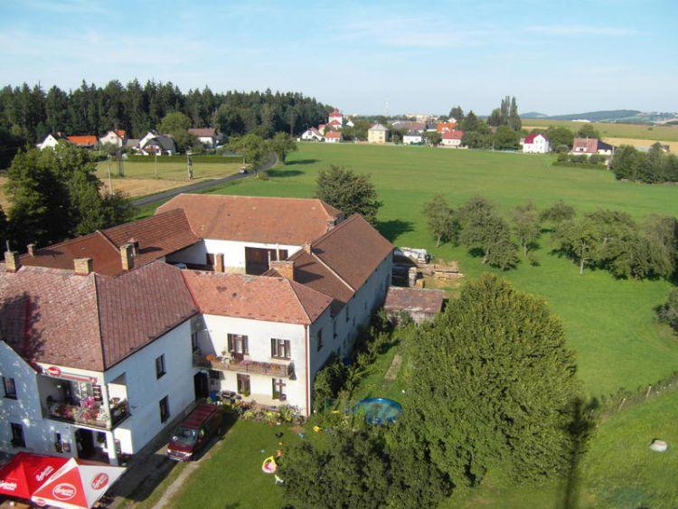 Prodej RD - zemědělské usedlosti s restaurací a sálem v obci Velešín nádraží