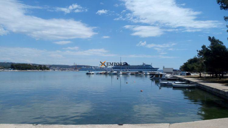Prodej čtyřpokojového bytu s krásným výhledem na moře v exkluzivní lokalitě v Zadaru, Chorvatsko