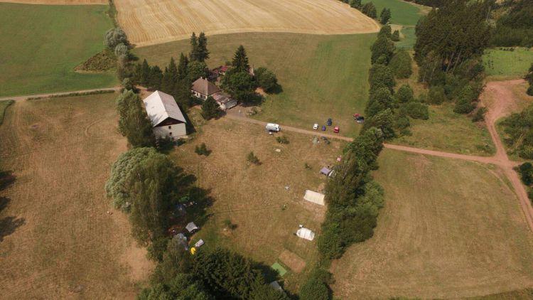 Pěkná zemědělská usedlost v panenské přírodě podhůří Krkonoš