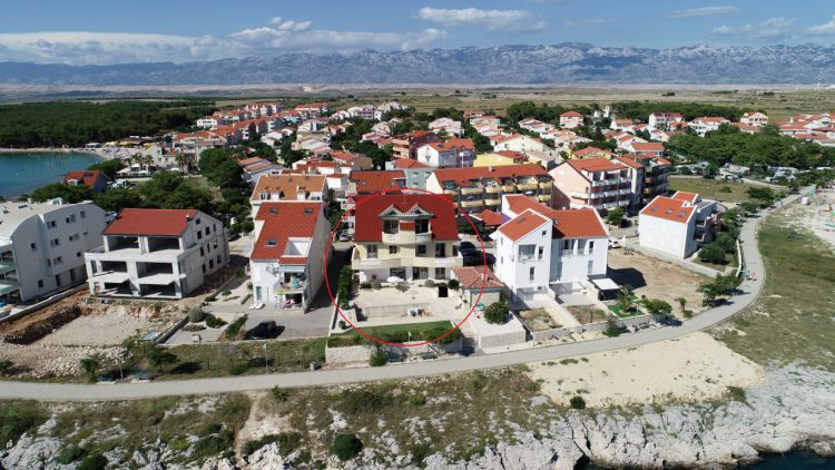 The attractive four bedroom apartment (112.98 m2) in Povljana, Croatia