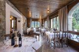 Hotel ve Švýcarsku poblíž jezera Maggiore a pohoří Gottard. 3