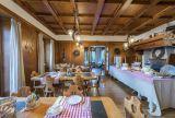 Hotel ve Švýcarsku poblíž jezera Maggiore a pohoří Gottard. 5
