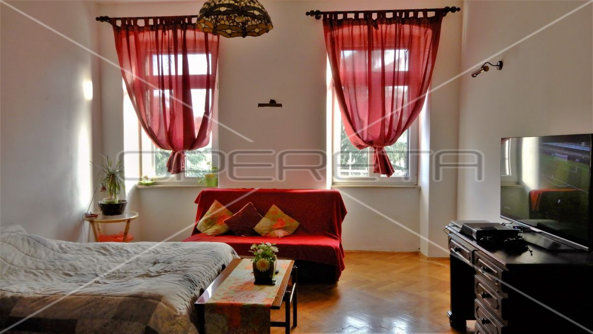 Apartment on a top location in Pula, 83.17 m2