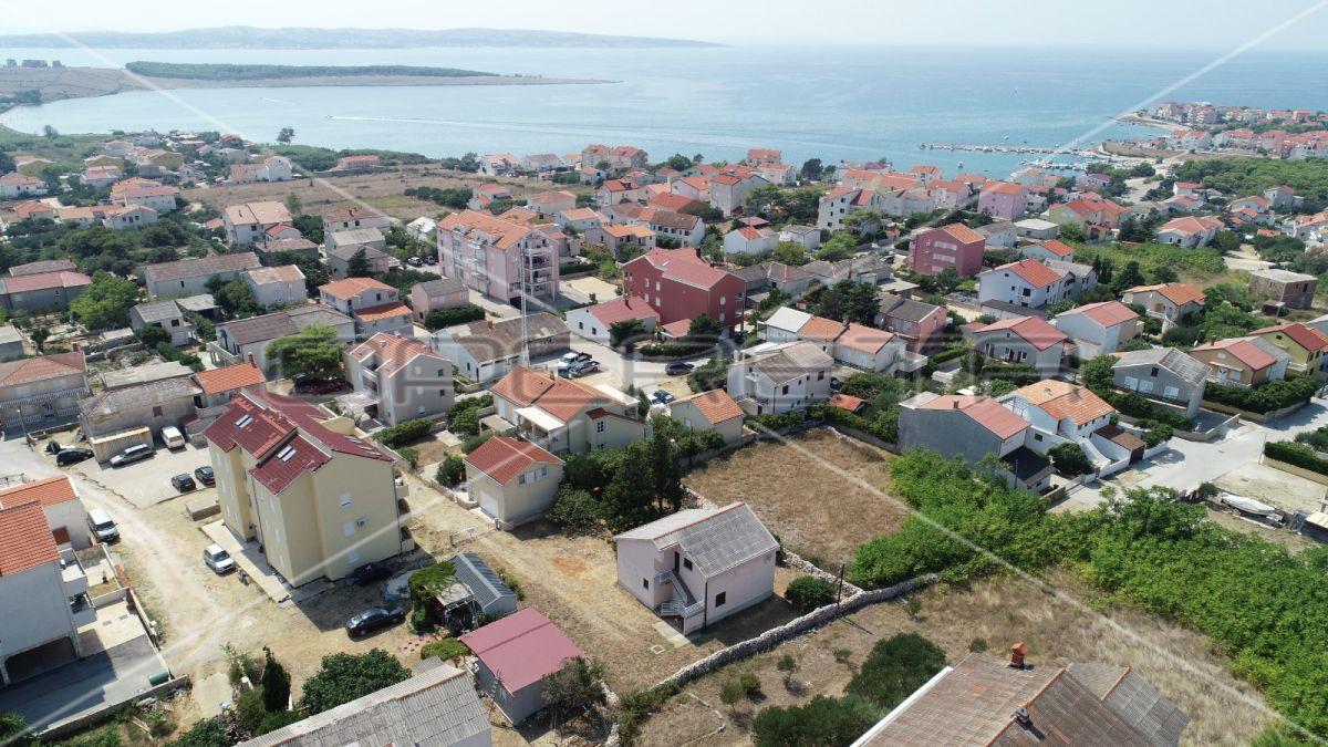 Building land, 4.500m2, Povljana, Croatia