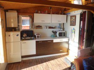 Prodej karavanu s chatkou 8