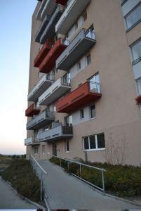 Pronájem bytu 1kk Praha Horní Měcholupy 8