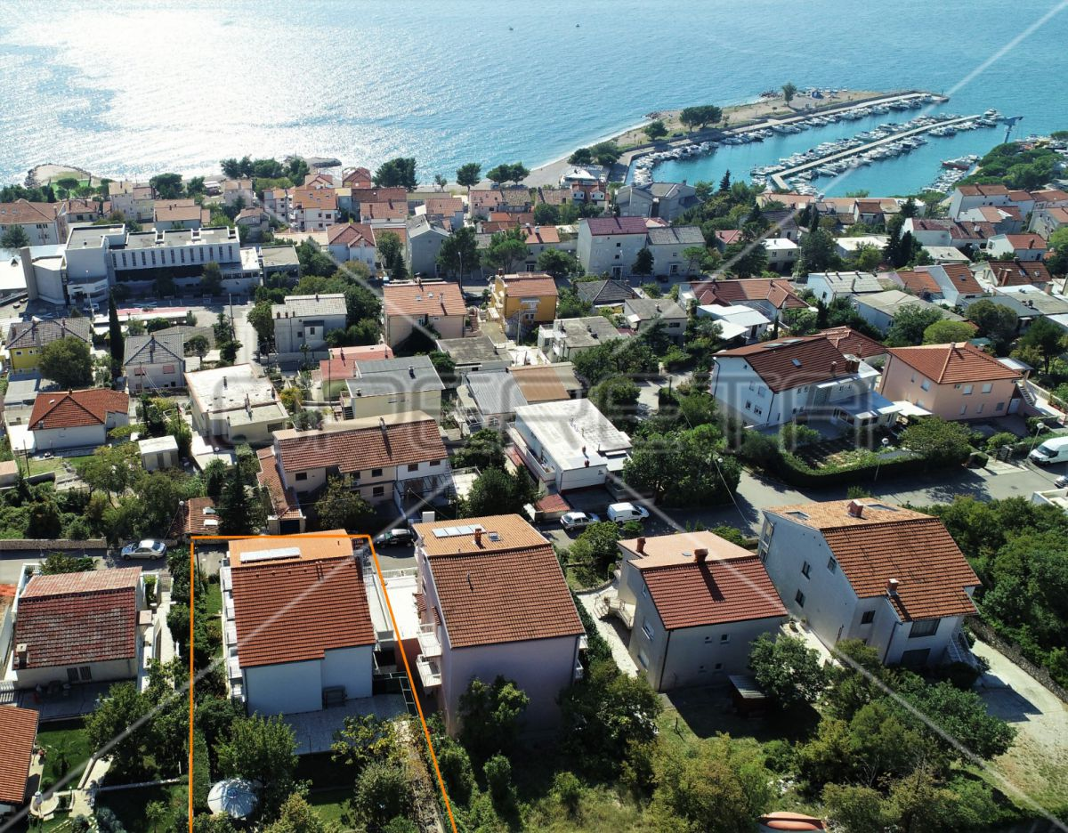Lucrative rental 430 m², 6 apartments, 350 m to the sea, modern and fully furnished!