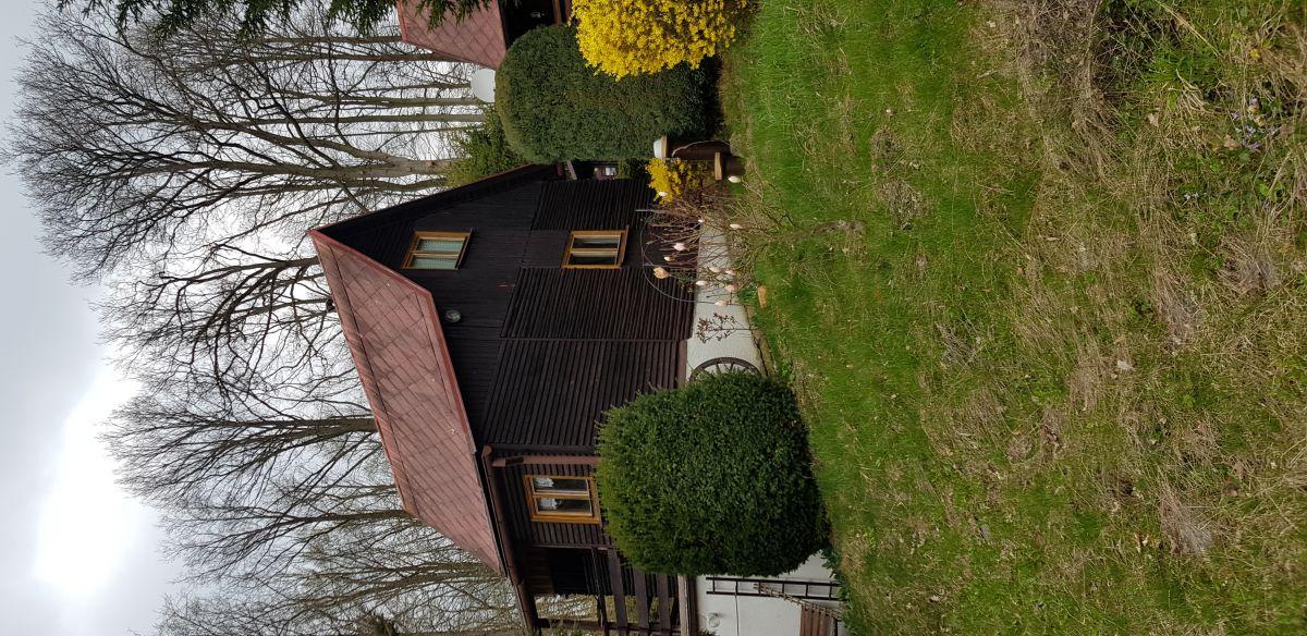 chata u lesa na prodej