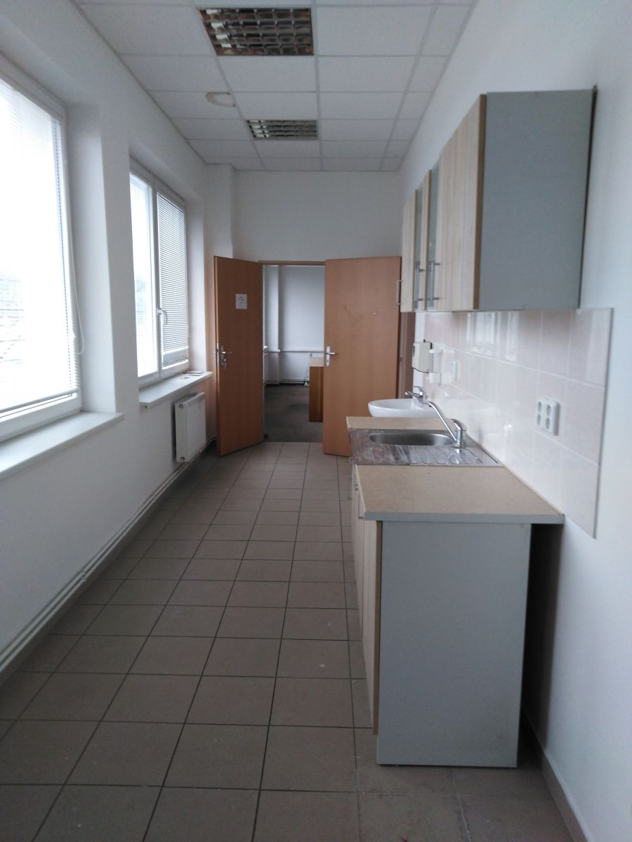 Pronájem nebytových prostor 130m2 v Olomouci,Hodolany