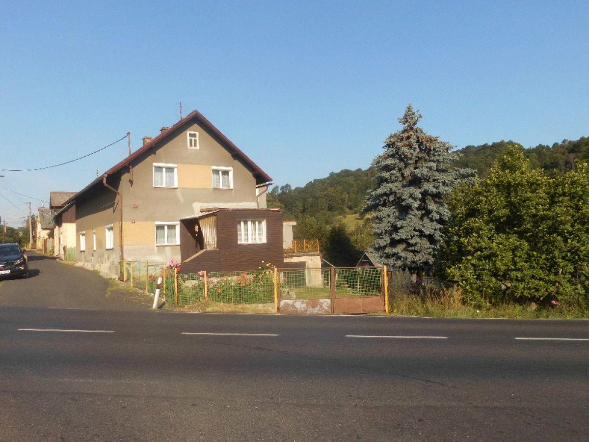 RD Starý Šachov 250m2,zahrada 2000m2.