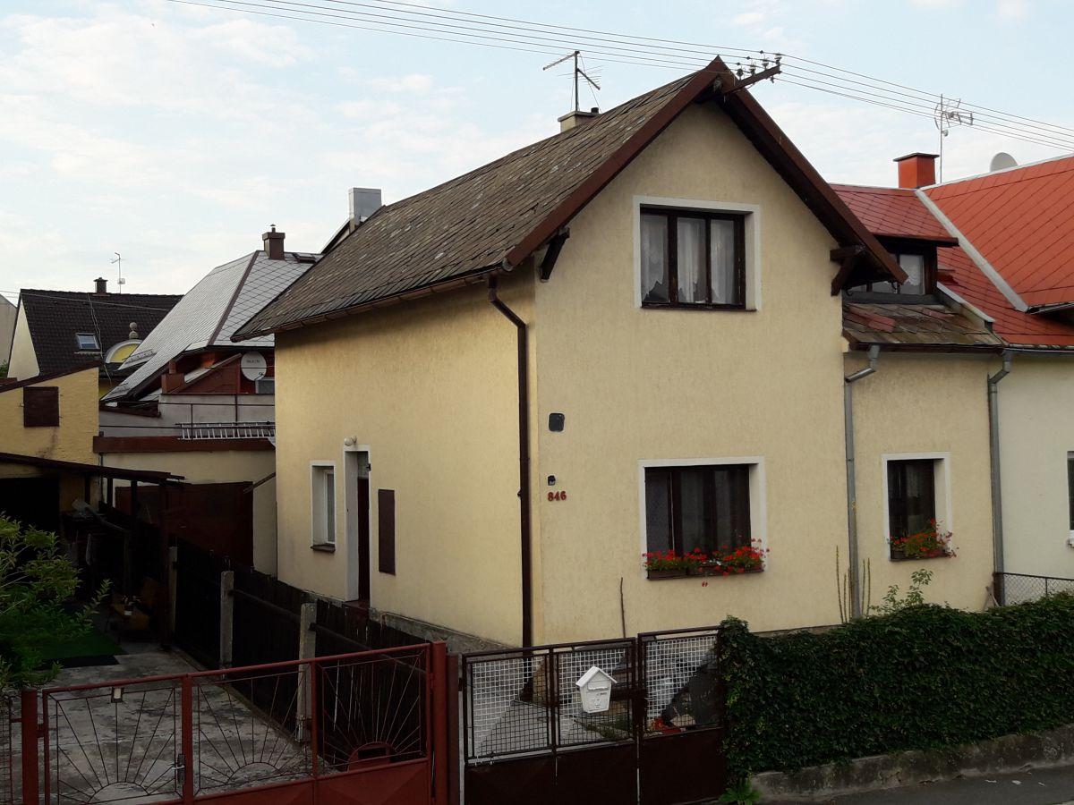 Rodinný dům 6+2,180m2, TACHOV