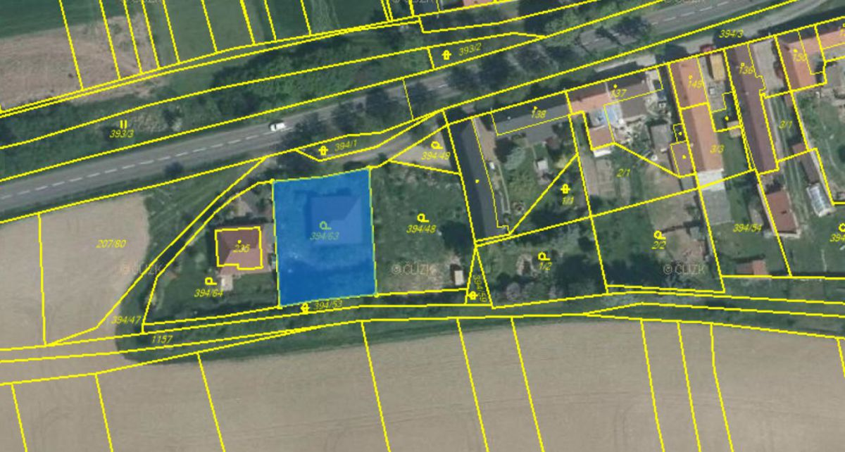 Prodej pozemku s rozestavěnou dřevostavbou rodinného domu - Peruc (Černochov)