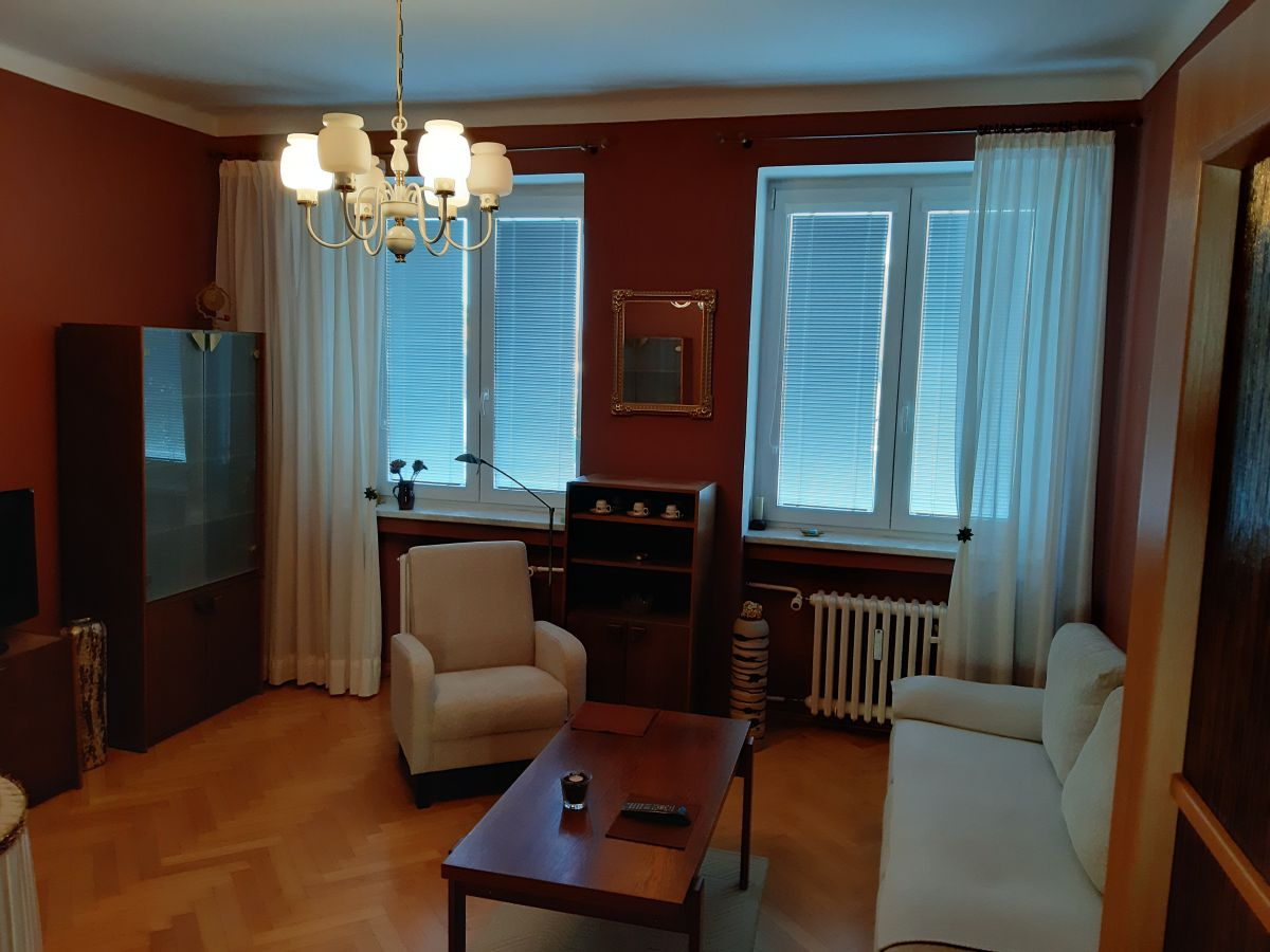 Pronájem bytu 2+1 na Slovanech