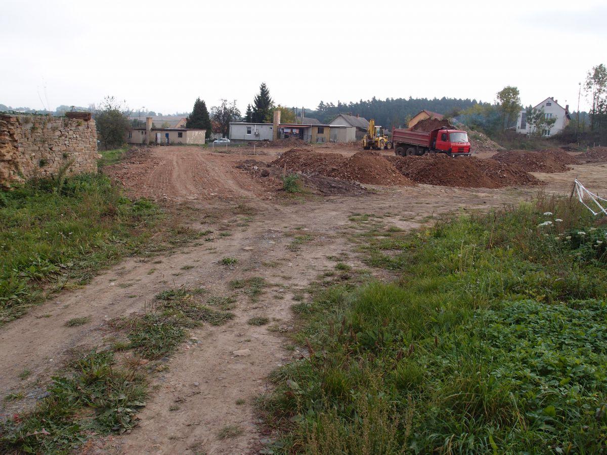 RD 4+1 k rekonstrukci s pozemky 9.659 m2, okr. Kolín