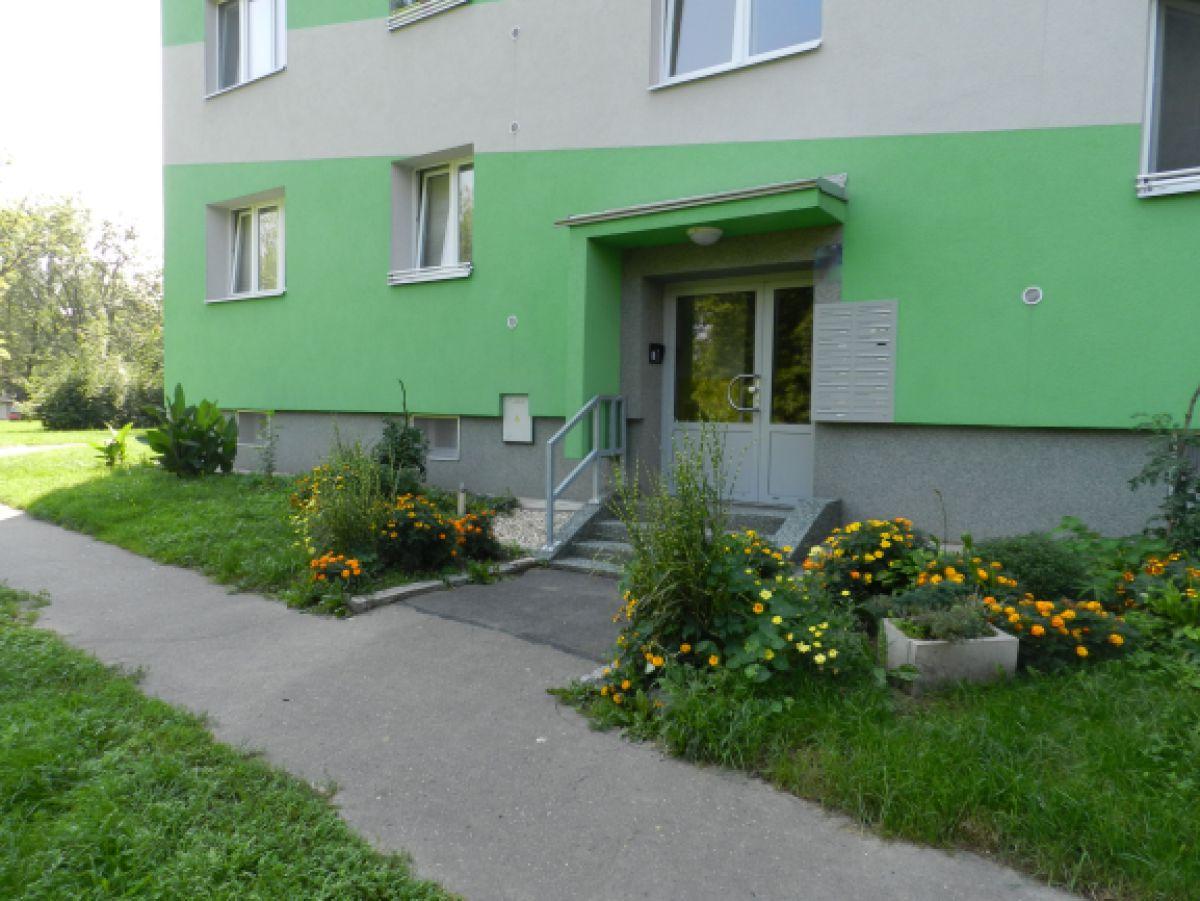 Prodám byt 2+1 s lodžií, 56 m2 v Ostravě – Porubě na ul. K. Pokorného v osobním vlastnictví.
