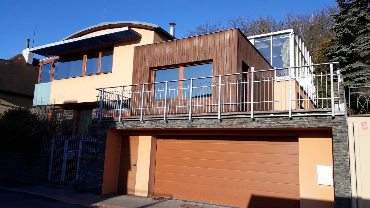 Prodej moderní vily u lesa v Radotíně - Praha 5, přímo od majitele