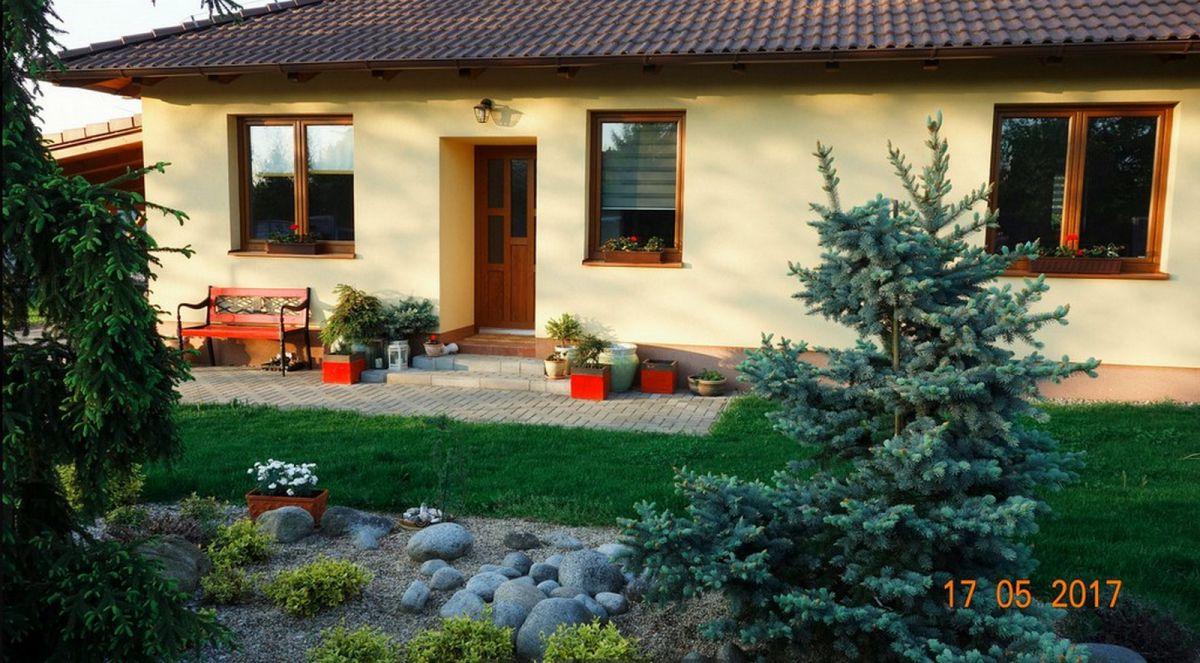 Kvalitní přízemní RD 4+kk se zahradou a bazénem, Svojetice, Praha východ