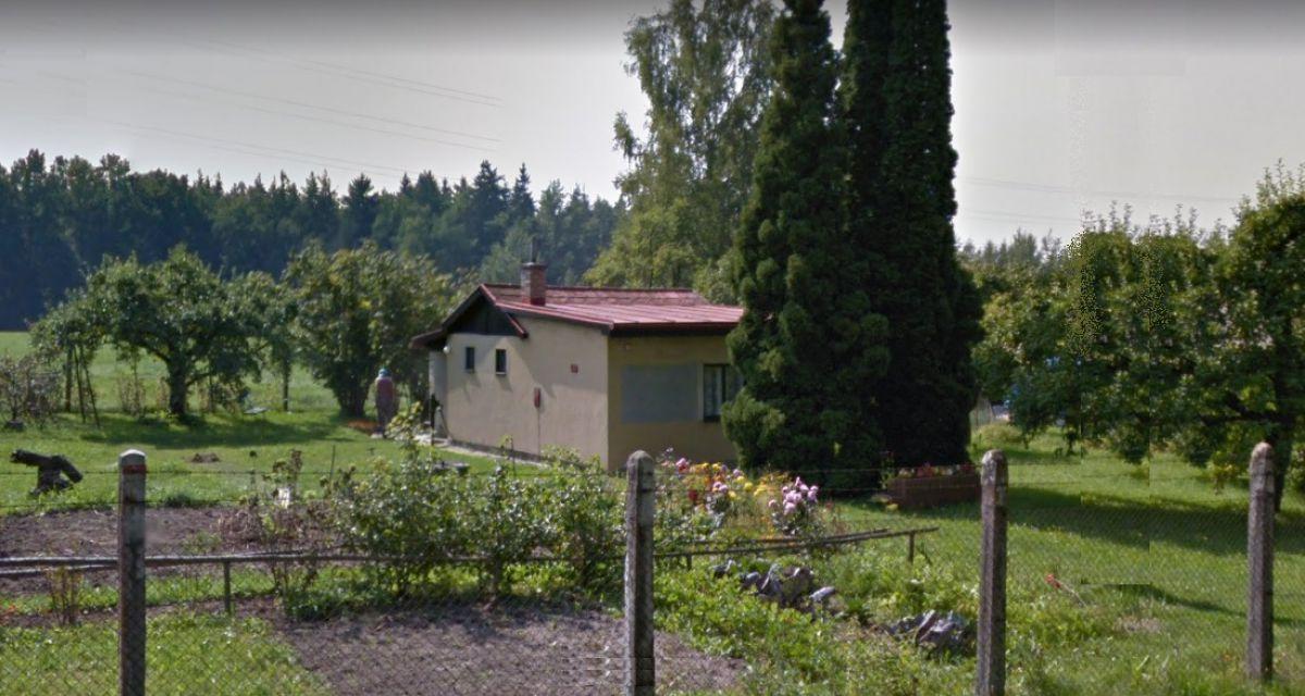 Prodám chatu s velkým pozemkem 1493 m2