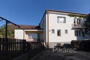 Prodej rodinného domu 280 m², pozemek 810 m² 1