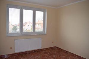 Nabízím pronájem bytu po kompletní rekonstrukci 4+kk v Kolíně 9