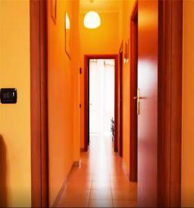 Budova 5 bytů v Itálii Milán 11