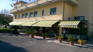 V Itálii na předměstí Říma je moderní hotel. 2