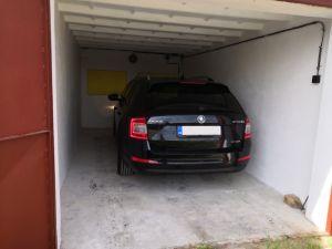 Pronájem garáže Ivančice 2