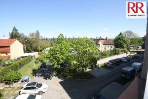 Prodej bytu 2+1 54 m2 v cihlovém domě v Plzni Skvrňany 12