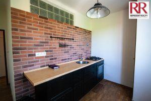 Prodej bytu 2+1 54 m2 v cihlovém domě v Plzni Skvrňany 2