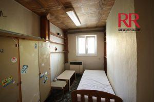 Pronájem bytu 3+1 v Plzni na Slovanech v rodinném domě, možno i pro 3 studentky 5