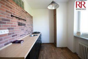 Prodej bytu 2+1 54 m2 v cihlovém domě v Plzni Skvrňany 1