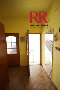 Pronájem bytu 3+1 v Plzni na Slovanech v rodinném domě, možno i pro 3 studentky 8
