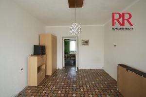 Pronájem bytu 3+1 v Plzni na Slovanech v rodinném domě, možno i pro 3 studentky 4