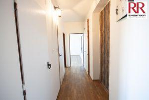 Prodej bytu 2+1 54 m2 v cihlovém domě v Plzni Skvrňany 7
