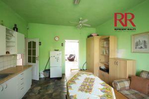 Pronájem bytu 3+1 v Plzni na Slovanech v rodinném domě, možno i pro 3 studentky 2