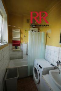 Pronájem bytu 3+1 v Plzni na Slovanech v rodinném domě, možno i pro 3 studentky 9