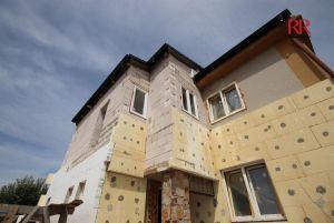 Prodej mezonetového bytu 4+1 a parkovacím stáním ve Volduchách u Plzně 2