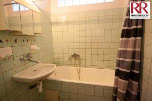 Prodej bytu 2+1 54 m2 v cihlovém domě v Plzni Skvrňany 9