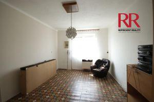 Pronájem bytu 3+1 v Plzni na Slovanech v rodinném domě, možno i pro 3 studentky 3