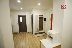 Pronájem rekonstruovaného bytu v Plzni Křimicích 4+kk  17