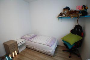 Pronájem rekonstruovaného bytu v Plzni Křimicích 4+kk  12