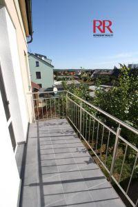 Pronájem rekonstruovaného bytu v Plzni Křimicích 4+kk  16