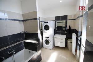 Pronájem rekonstruovaného bytu v Plzni Křimicích 4+kk  14