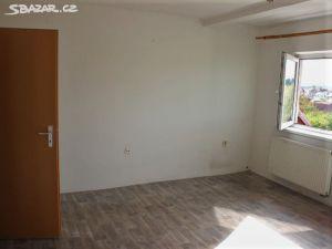 Prodám byt 4+1 s garáží  2