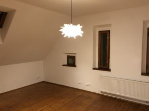 Prostorný byt 3+1 na Praze 5 7