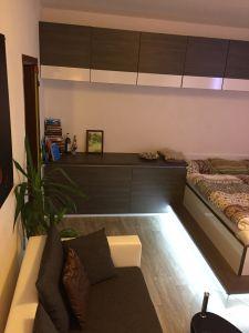 Pronájem moderního bytu 1+1 po KOMPLETNÍ REKONSTRUKCI. Užitné plochy 33m2 4