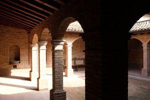 Nedaleko Milána nedaleko Cremony, staré jedinečné vily. 3