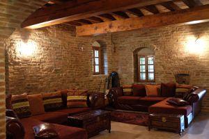 Nedaleko Milána nedaleko Cremony, staré jedinečné vily. 8