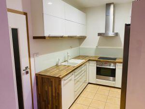 Prodej bytu 3+kk 85m² klimatizace, rolety… (garáž) 2